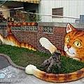 [雲林景點] 虎尾頂溪社區「屋頂上的貓」貓彩繪村01.JPG