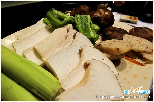 [台中美食] 石頭日式炭火燒肉(沙鹿-尊貴館)13.JPG