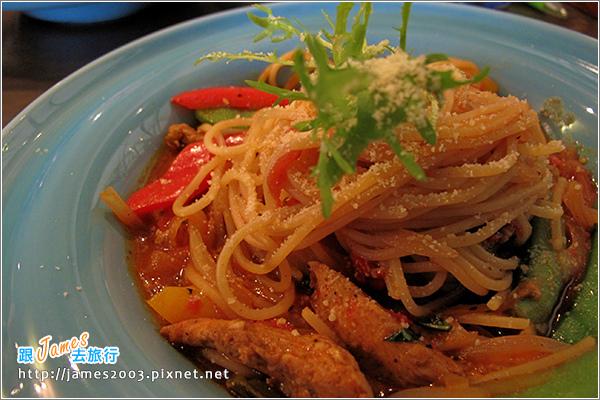 [台中聚餐美食] 新時代購物中心-胖橄欖義式主題餐廳01.JPG