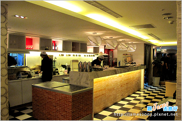 [台中聚餐美食] 新時代購物中心-胖橄欖義式主題餐廳04.JPG