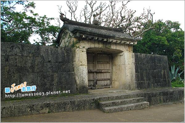【沖繩旅行】世畀文化遺產~守禮門、首里城02.JPG