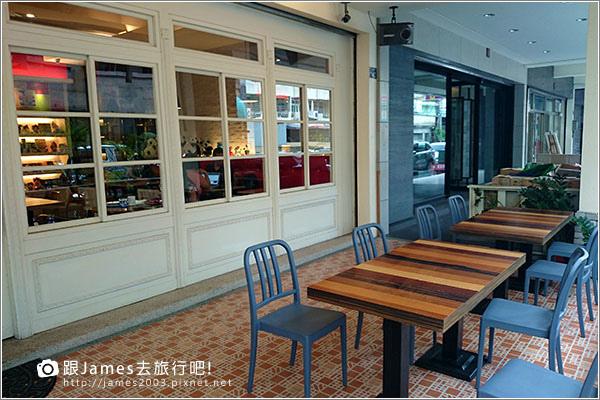 Panda Caf'e 胖達咖啡輕食館 004.JPG