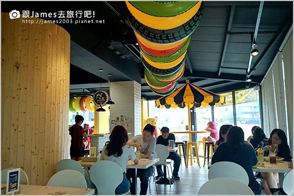【台中美食】台中西屯逢甲- K.K. Banana 義大利麵、香蕉船 12.JPG