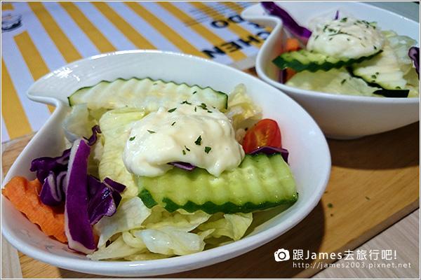 【台中美食】台中西屯逢甲- K.K. Banana 義大利麵、香蕉船 14.JPG