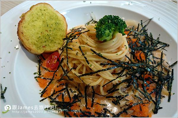 【台中美食】台中西屯逢甲- K.K. Banana 義大利麵、香蕉船 16.JPG