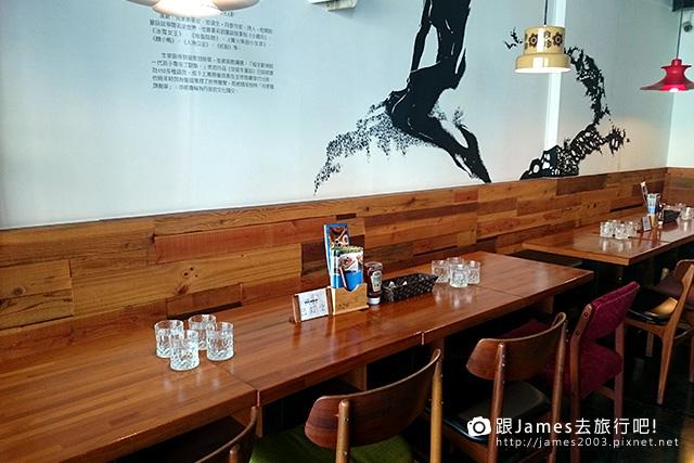 【台中美食】尼克咖啡5號店~熊抱尼克 The Naked Cafe (中國醫藥學院、中友百貨)06.jpg