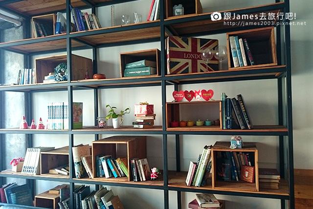 【台中美食】尼克咖啡5號店~熊抱尼克 The Naked Cafe (中國醫藥學院、中友百貨)07.jpg