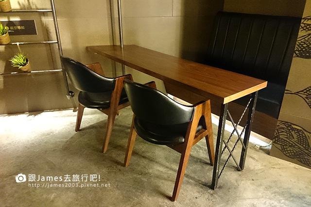 【台中美食】歐式工業風~多那之台中咖啡概念館(咖啡、蛋糕) 12.jpg