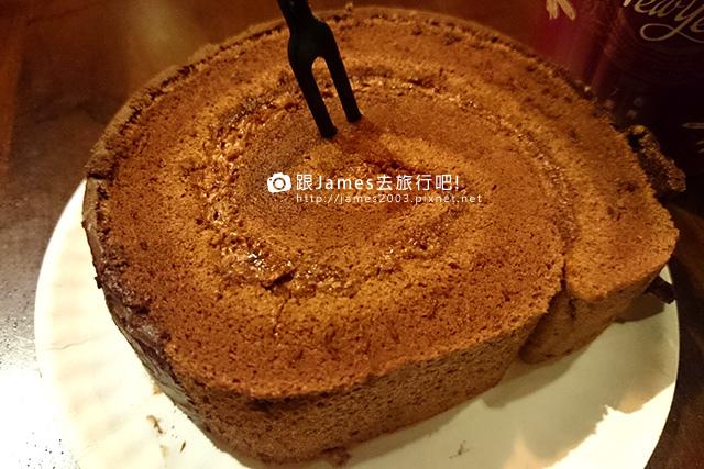 【台中美食】歐式工業風~多那之台中咖啡概念館(咖啡、蛋糕) 16.jpg