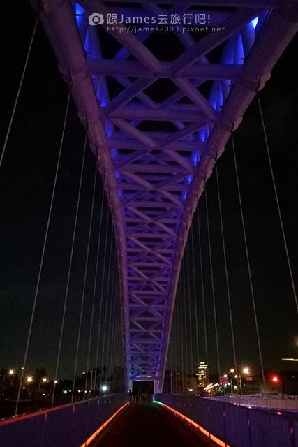 【台中外拍景點】北屯-海天橋(景觀橋)夜景 10.jpg