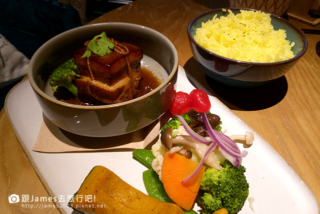 【台中美食】綠意盎然花園宮廷風- O%5CIN Tea House(草悟道門市) 20.jpg