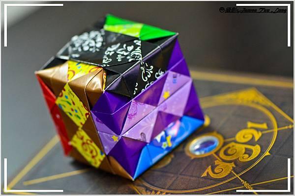 摺紙作品-魔術方塊