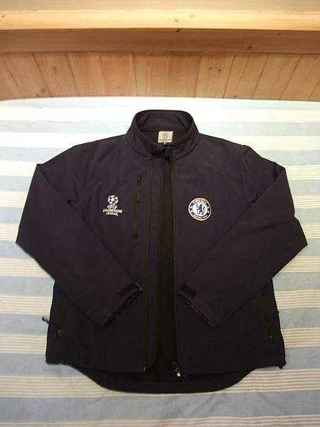 09-10歐冠外套
