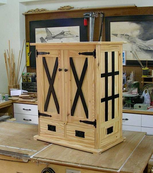 中世紀的貯物櫃 014
