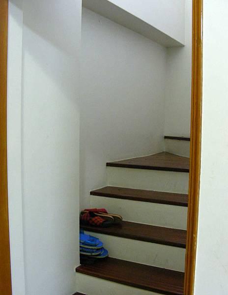 樓梯間的鞋櫃 002