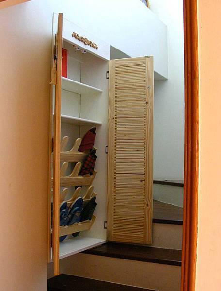 樓梯間的鞋櫃 013