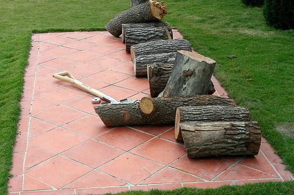 花園中的長板凳 002
