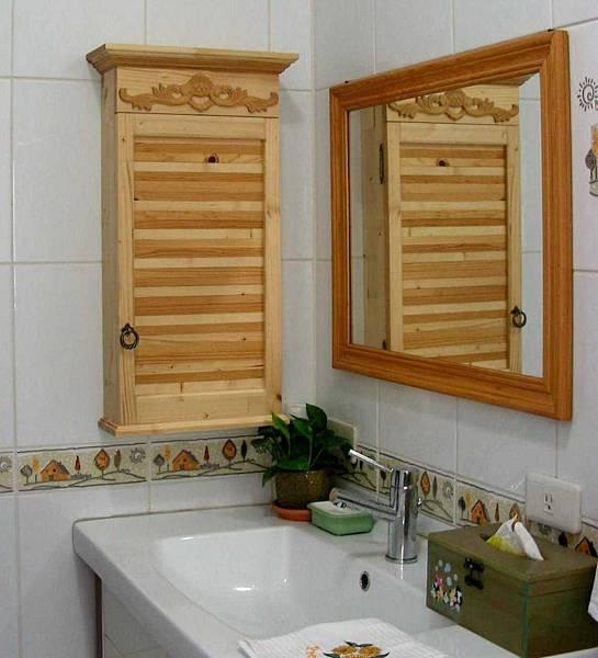 漂亮的浴室壁櫃 001