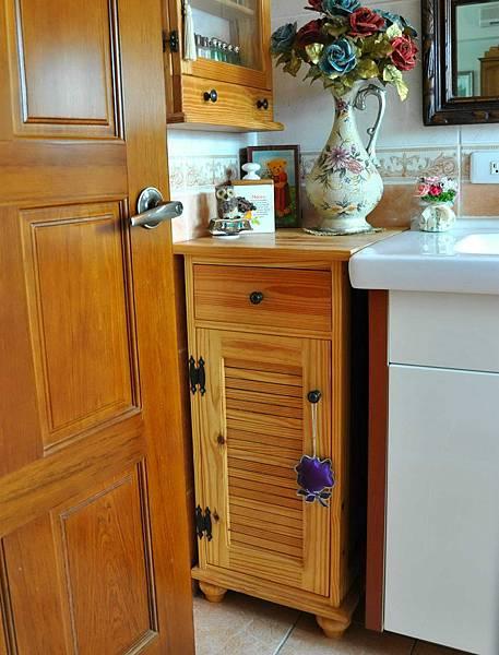 洗手間的收納櫃 013
