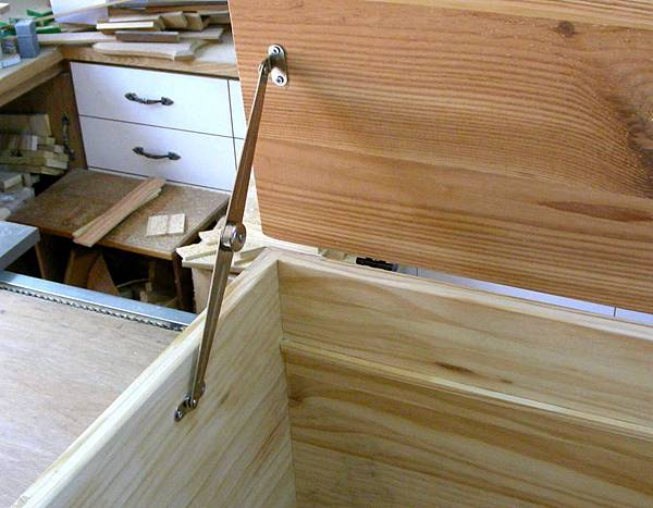 掀蓋式箱型椅 005