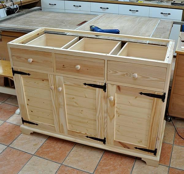 廚房中的置物櫃 (11)