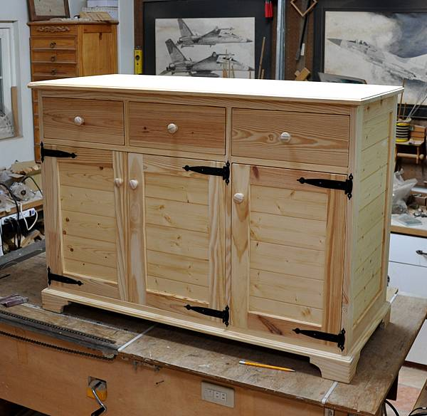 廚房中的置物櫃 (14)