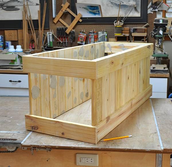 南方松坐式箱型椅 (4)