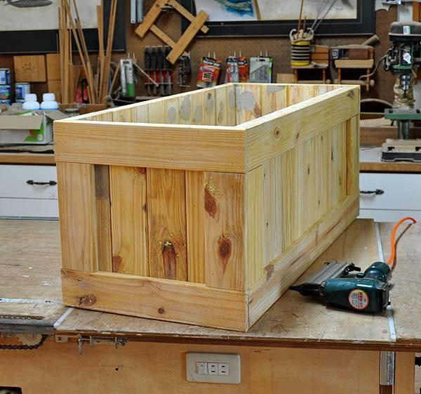 南方松坐式箱型椅 (5)