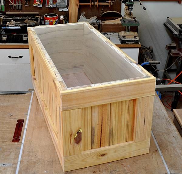 南方松坐式箱型椅 (6)