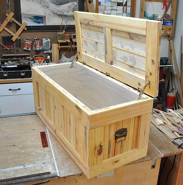南方松坐式箱型椅 (8)