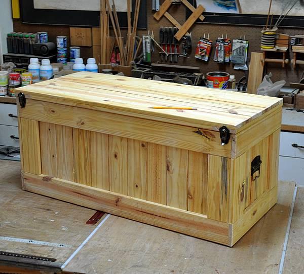 南方松坐式箱型椅 (9)