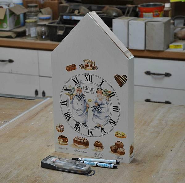 都鐸式的時鐘 (8).JPG