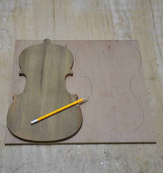 小提琴時鐘 (2).JPG