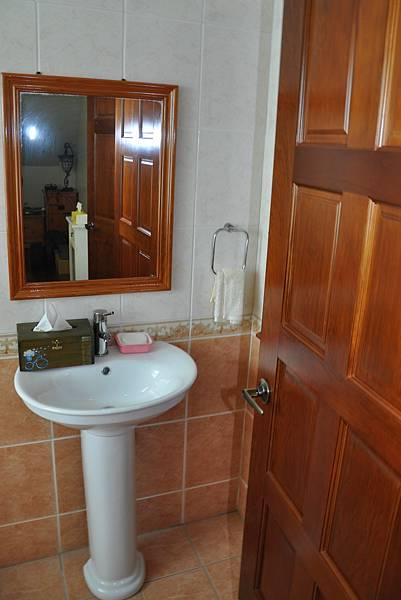 浴室裝潢DIY (2).JPG