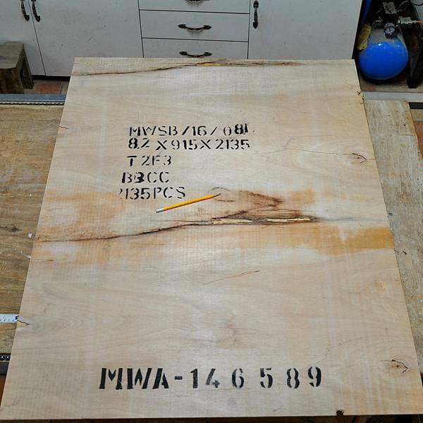 工業風的床頭櫃 (4).JPG
