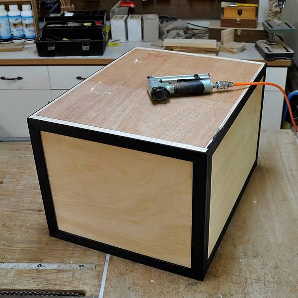 工業風的床頭櫃 (10).JPG
