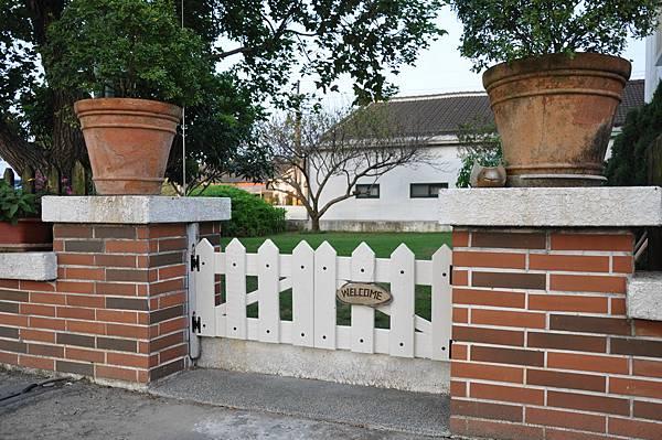 通往花園的門 (1).JPG