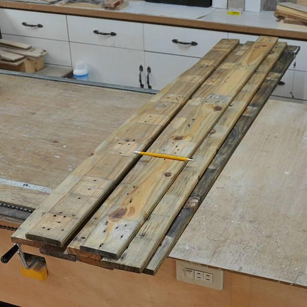 棧板做的零件櫃 (2).JPG