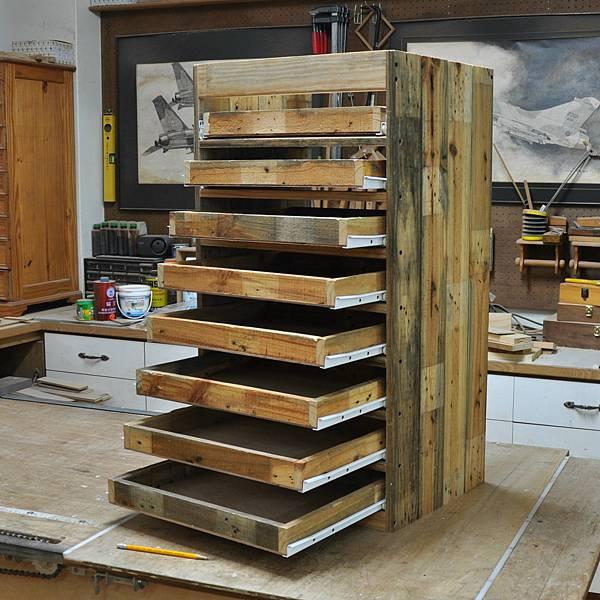 棧板做的零件櫃 (6).JPG