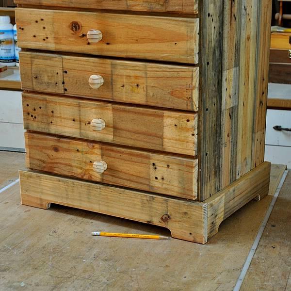 棧板做的零件櫃 (9).JPG