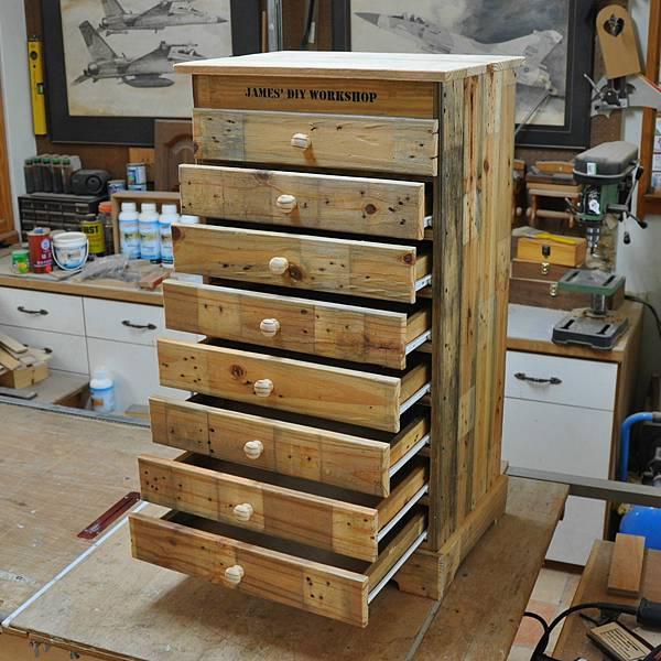 棧板做的零件櫃 (16).JPG