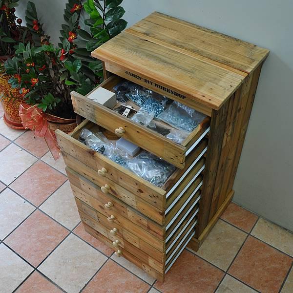 棧板做的零件櫃 (19).JPG