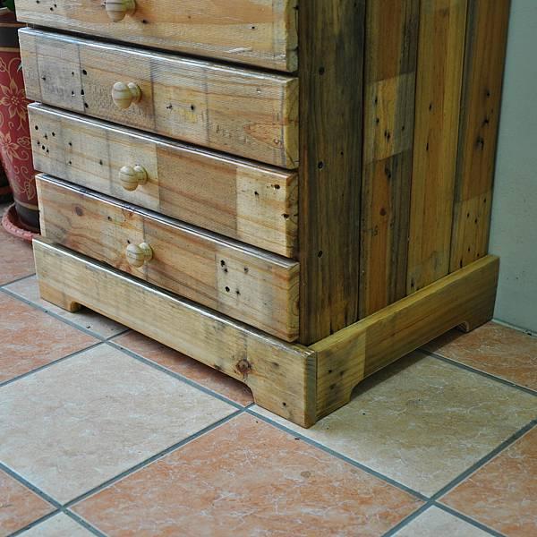 棧板做的零件櫃 (21).JPG