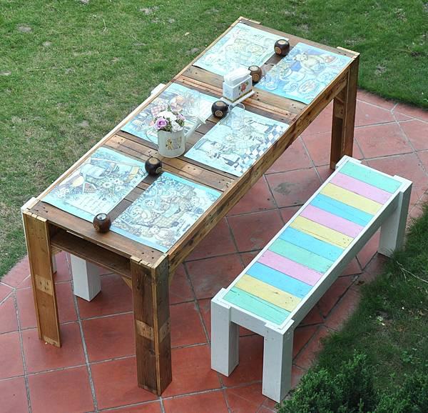 花園中的長桌 (1).jpg