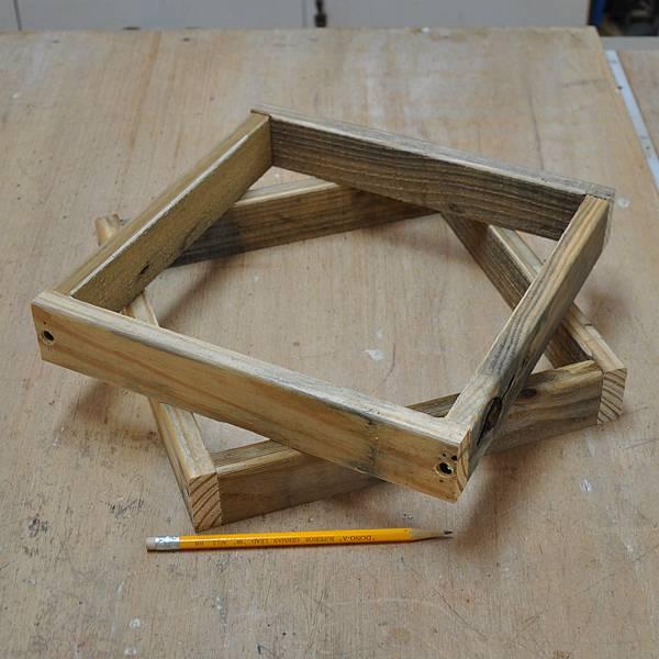 棧板做的凳子 (3).JPG