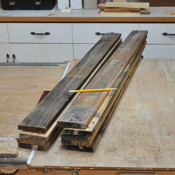 棧板做的凳子 (2).JPG