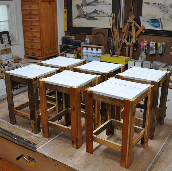 棧板做的凳子 (11).JPG