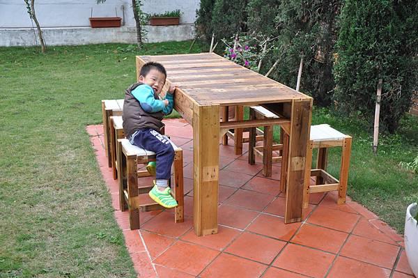 棧板做的凳子 (12).JPG