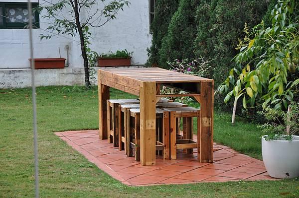 棧板做的凳子 (13).JPG