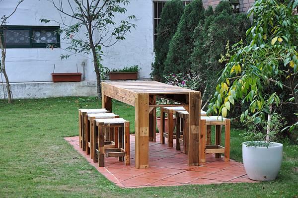 棧板做的凳子 (1).JPG